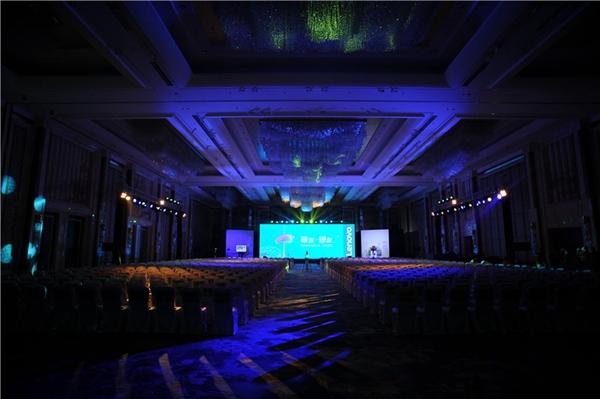 北京新网互联科技_新网快播    联想创新科技大会系列峰会是联想聚焦智能互联网发展趋势