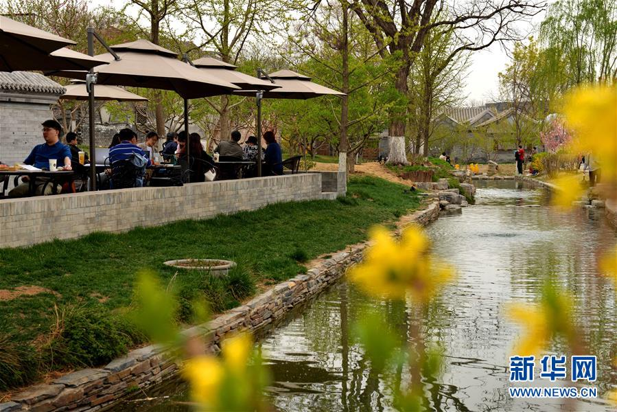 (壮丽70年·奋斗新时代·图文互动)(2)闹市中的诗意栖居——从北京前门东区看老城保护