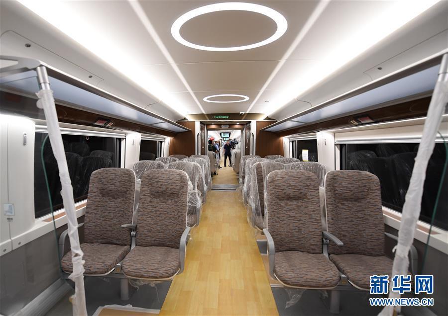 (社会)(1)北京轨道交通新机场线一期开始试运行