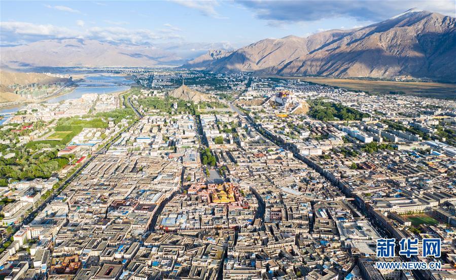 (壮丽70年·奋斗新时代——共和国发展成就巡礼·图文互动)(1)人间奇迹在高原——新中国成立70年西藏发展成就纪实