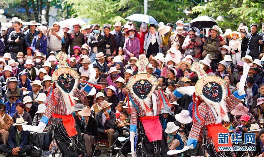 (壮丽70年·奋斗新时代——共和国发展成就巡礼·图文互动)(3)人间奇迹在高原——新中国成立70年西藏发展成就纪实