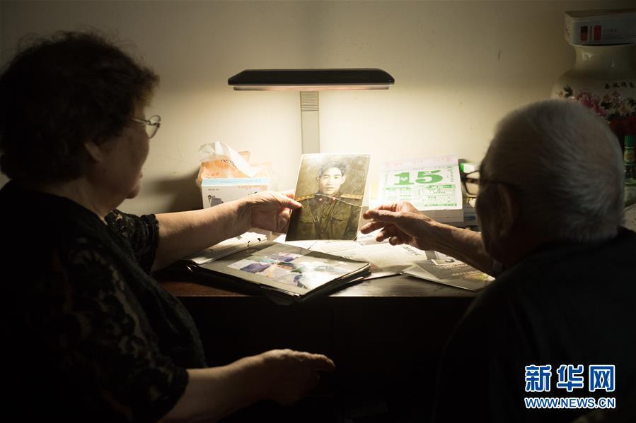 (新华全媒头条·爱国情 奋斗者·图文互动)(3)60岁,我才真正认识了父亲……