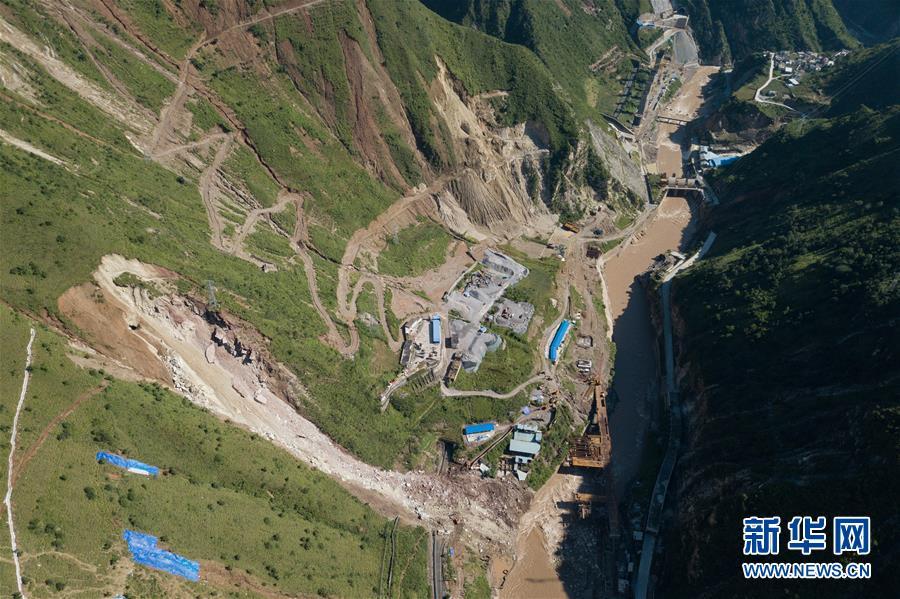 (图文互动)(4)成昆铁路线四川甘洛县山体垮塌初步确认17人失联