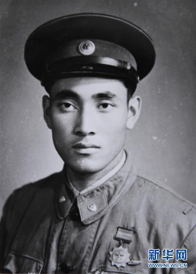 (图文互动)(4)历史的见证——陆军边海防学院维吾尔族女讲师其曼古力一家三代守疆固边记事