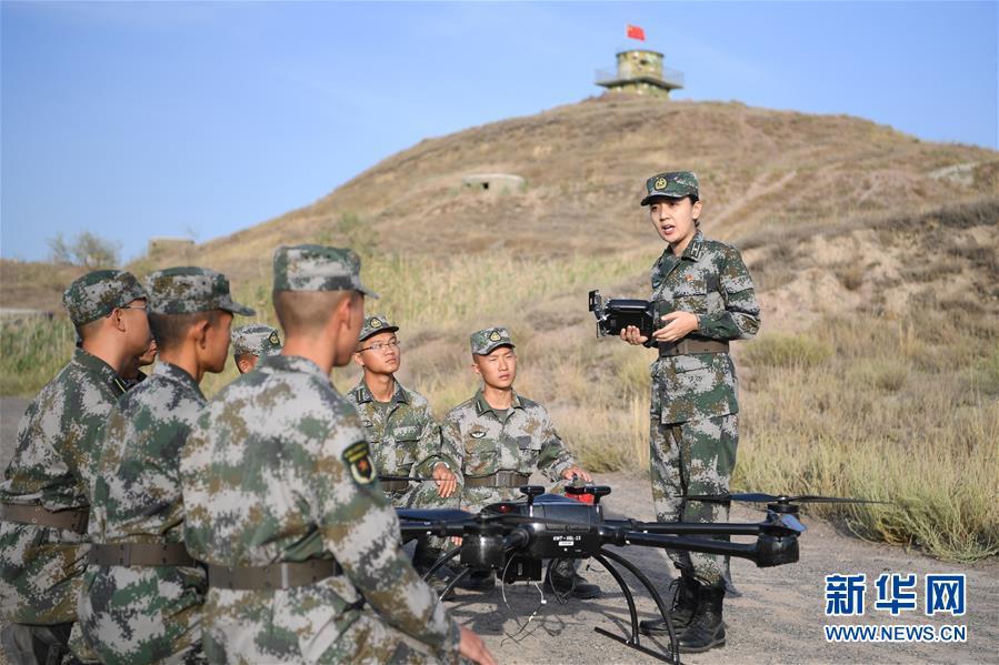 (图文互动)(1)历史的见证——陆军边海防学院维吾尔族女讲师其曼古力一家三代守疆固边记事