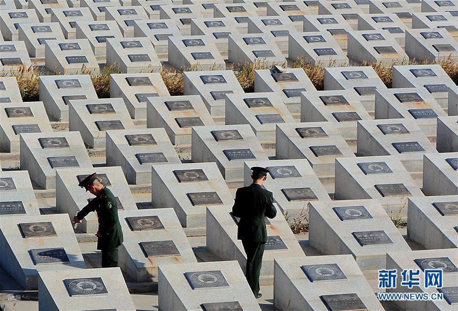"""(图文互动)(7)为了""""中国号""""巨轮扬帆远航——中国共产党领导下的人民军队忠于祖国、服务人民启示录"""