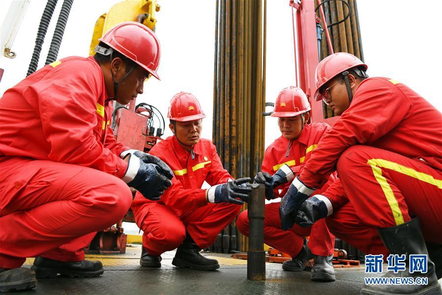 (图文互动)(5)当好标杆旗帜 建设百年油田——写在大庆油田发现60周年之际