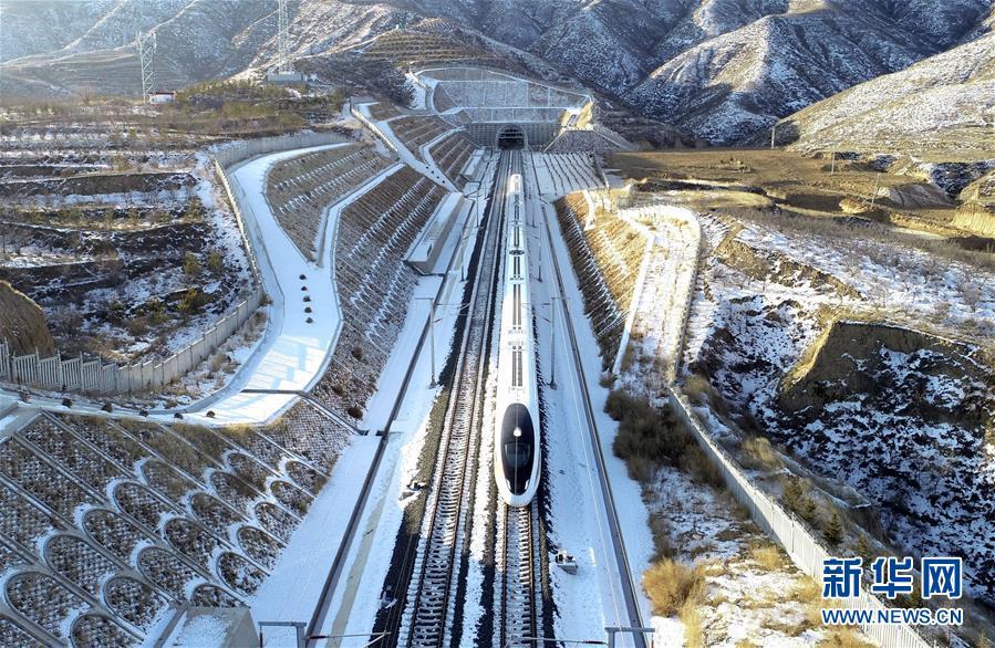 (新华全媒头条·图文互动)(12)百年跨越,逐梦京张——写在京张高铁开通暨中国高铁突破3.5万公里之际