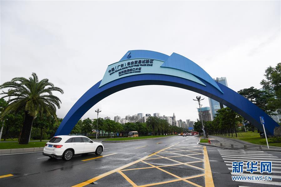 (新华全媒头条·图文互动)(14)创造新时代中国特色社会主义的更大奇迹——以习近平同志为核心的党中央关心经济特区发展纪实