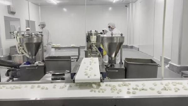 行走三明丨在沙县小吃中央厨房,走向全国的蒸饺是如何生产的