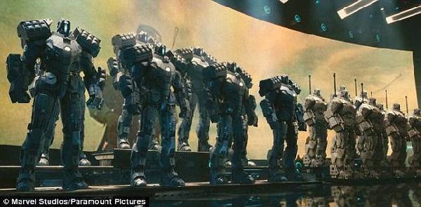 《钢铁侠2》中的作战机器人也许不日便将成为现实。专家表示,各成员国同意在2017年围绕致命性自主武器系统开展正式会谈具有至关重要的意义。在加强人类对武器的管控问题上,裁军法已有先例在前。